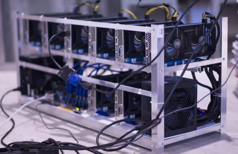 Après la hard fork de Bitcoin Cash, des mineurs continuent de valider les blocs de l