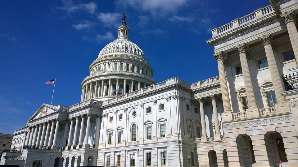 Un projet de loi américain pour ne pas taxer les transactions Bitcoin et crypto inférieures à 200 dollars