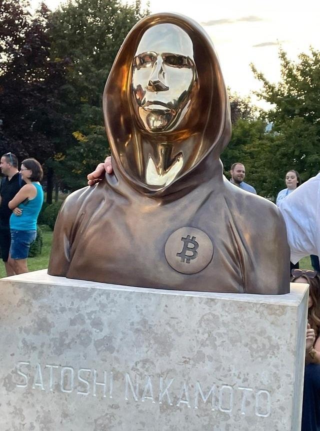 La Hongrie inaugure une statue en l